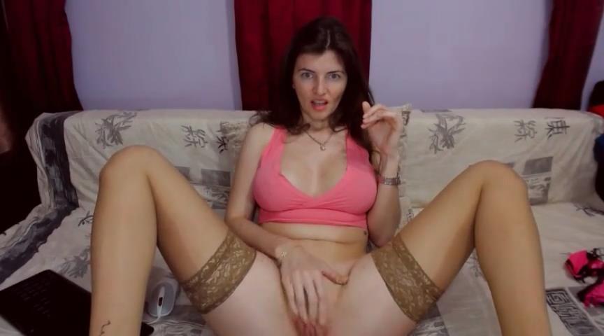 UrBedroomEyes webcam